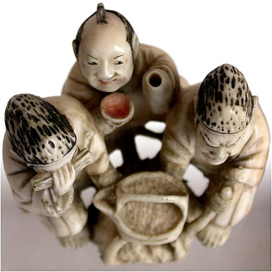 Three Noblemen Netsuke top