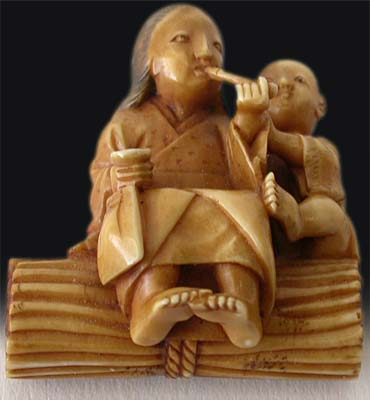 Smoking Mother and Child Netsuke  bottom