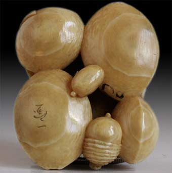 Nuts Cluster Netsuke Signed Ippo