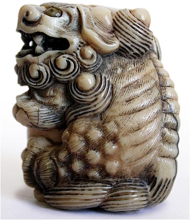 Shishi Netsuke side view